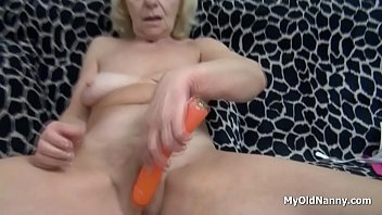 Wrinkly Granny Pleasures Her Pussy