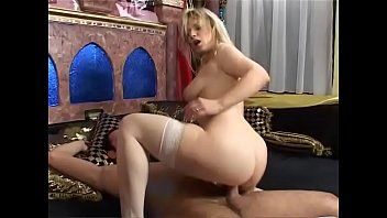 Mature women poonfarm - Mature women hunting for young cocks vol. 35