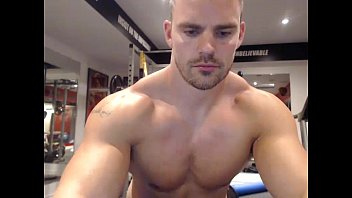 Muscle gay chat Muscular stud wank off web cam show more - livecamly.com