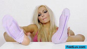 Sexy blonde Nicky Angel incredible feet Vorschaubild