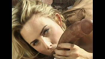 Blonde outdoor blowjob
