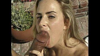 Blonde outdoor blowjob