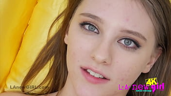 Hot Teen shows pussy closeup in 4K porno izle
