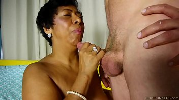 Gorgeous mature ladies moms Mature black lady loves sucking and fucking for a facial