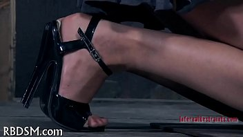 Whipping a wicked worthless playgirl