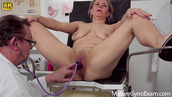 Mature lady made to cum by her gynecologist