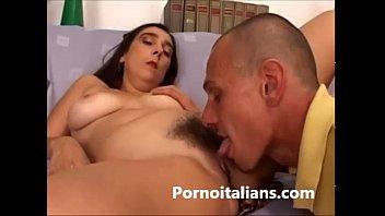 Casalinga Tettona  Milf Italiana Scopa Con Amante - Porno Italiano Amatoriale