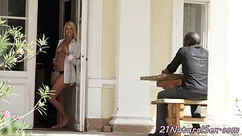 Beautiful eurobabe banged outdoors by bbc