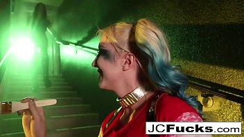 Poison Ivy sticks a bat up Harley's ass!