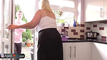 AgedLove Nice blonde granny is fucked by horny man 12分钟