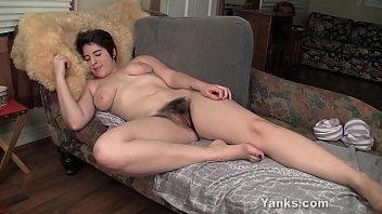 Busty Amber Fucks A Rabbit Dildo porno izle