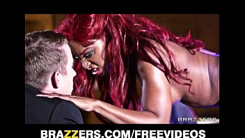 Perky ebony stripper gets fucked hard in the ass on stage Porno indir