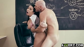 Hot busty student Karlee Grey fucks with prof 7分钟