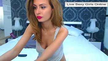 Perfect ass tube Web cam girl showing perfect ass and pussy