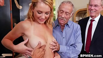 Raylin Ann Gets Gangbaged By Old Men 5分钟