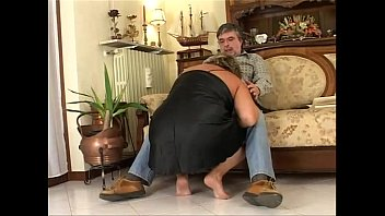 That's how I fuck my mature fat wife! thumbnail