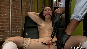 Campus girl anal toyed by therapist