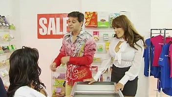 Threesome with shopgirl 35 min