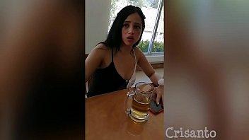 她不想,但是喝了几口啤酒,她疯了 14分钟