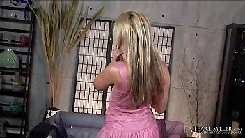 Blonde Beauty Kayden Kross Dildo Fucks Her Sweet Love Box