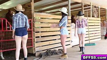 Hot farm babes awesome threesome outdoor fuck porno izle