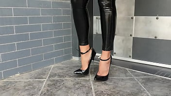 estremely  High Heeled Leather Boots 3 min