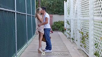 PASSION-HD Picnic date turns into fuck with blonde Emma Hix 10 min