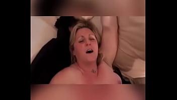 Esposa madura coge con amigo BBC