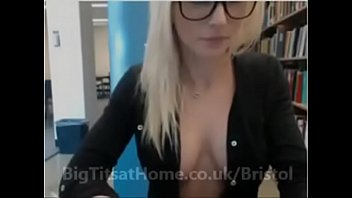 Tit wank in bra Lovely pussy with big boobs in bristol looking for casual tit sex