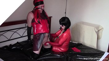 Amateur wife in leather gloves, part 3.