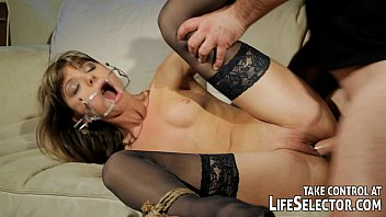 Kinky fuckdoll Doris Ivy is being dominated by a pervert guy. 7分钟