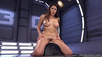 Dildo sybian - Busty beauty anal fucks machine