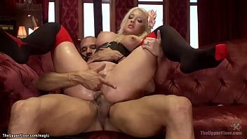 Anal slaves sharing big Latin cock 5分钟