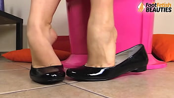 Barefoot girls in ballet flats perfect shoeplay and teasing