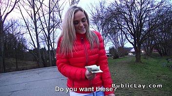 Blonde amateur flashing for a money porno izle