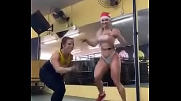 Fitness Babe Mommy Training Naked In Gym