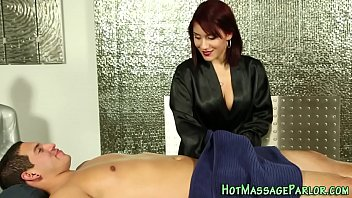 Cummy mouthed masseuse 6分钟