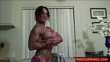 Kinky fuck with oiled muscled milf