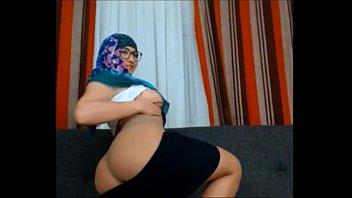 Muslim Girl Very Sexy Very Horny Teasing Stripping Dancing Sex Hijab Arabian Jilbab thumbnail