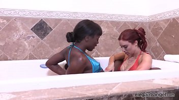 Streaming Video Lesbian Glam: Ana Fox & Jayden Cole Have Some Hot Lesbo Bathtub Fun - XLXX.video