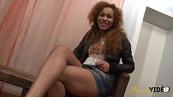 Léa, une métisse sexy qui adore le sexe