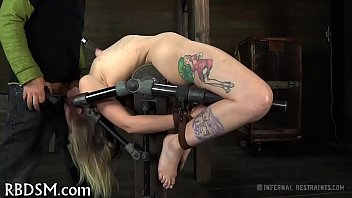 Muscled babe nude - Taming a lusty gagged chick