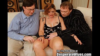 Husband Slurps Out Wife Nasty Creampie