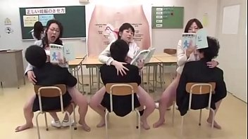 Japanese Mom And Son In School1 - LinkFull: https://ouo.io/0WJOrS 5分钟