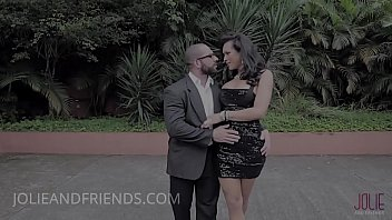 "MILF elegant shemale fucks a body builder <span class=""duration"">8 min</span>"
