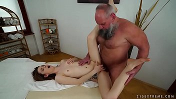 Older man fucks her y. massage client