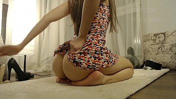 Streaming Video sweet babe girl ass teases and twerking for you - XLXX.video