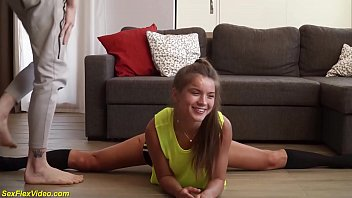 First Anal Sex With Flexi Stepsister
