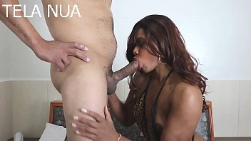 THE DEBUT OF THE GOSTOSA NEGRA WITH A GIFTED MALE FUCKING STRONG AND FILLING HIS MOUTH WITH FUCK. with VERONICA LINS. (Complete on RED)