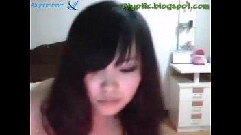 korean girl naked, fingering on cam. full video: http://sh.st/npVI0